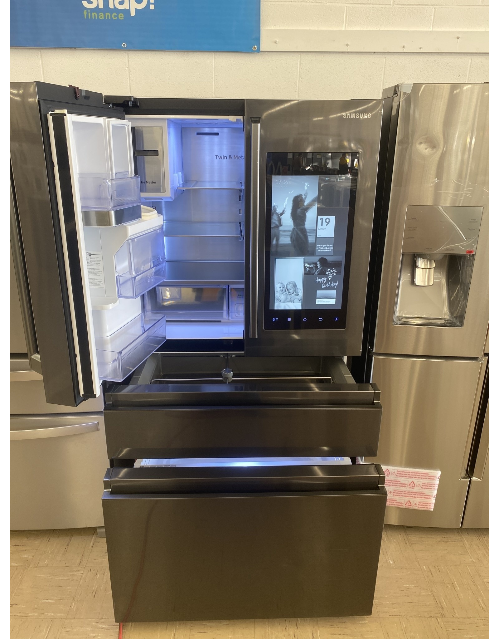 SAMSUNG RF23M8590SG Samsung Polygon / Family Hub 2.0 Refrigerator