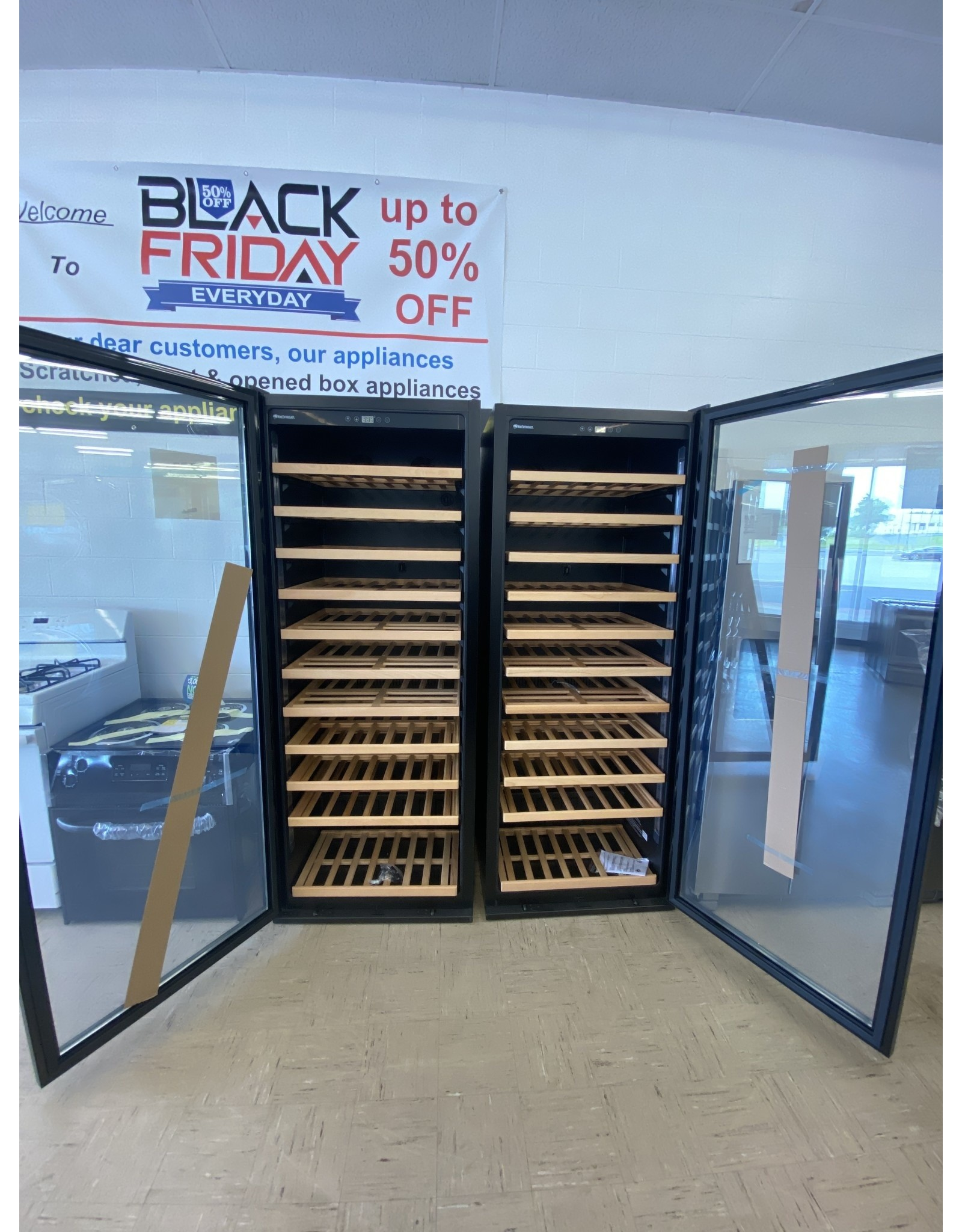 wine cellar HQ 264 03 20 03 Wine Enthusiast Classic 200 Wine Cellar