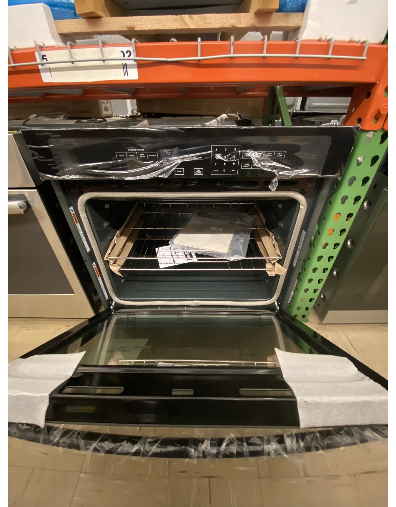 AMANA AWO6313SFB 30 in. Single Electric Wall Oven Self-Cleaning in Black