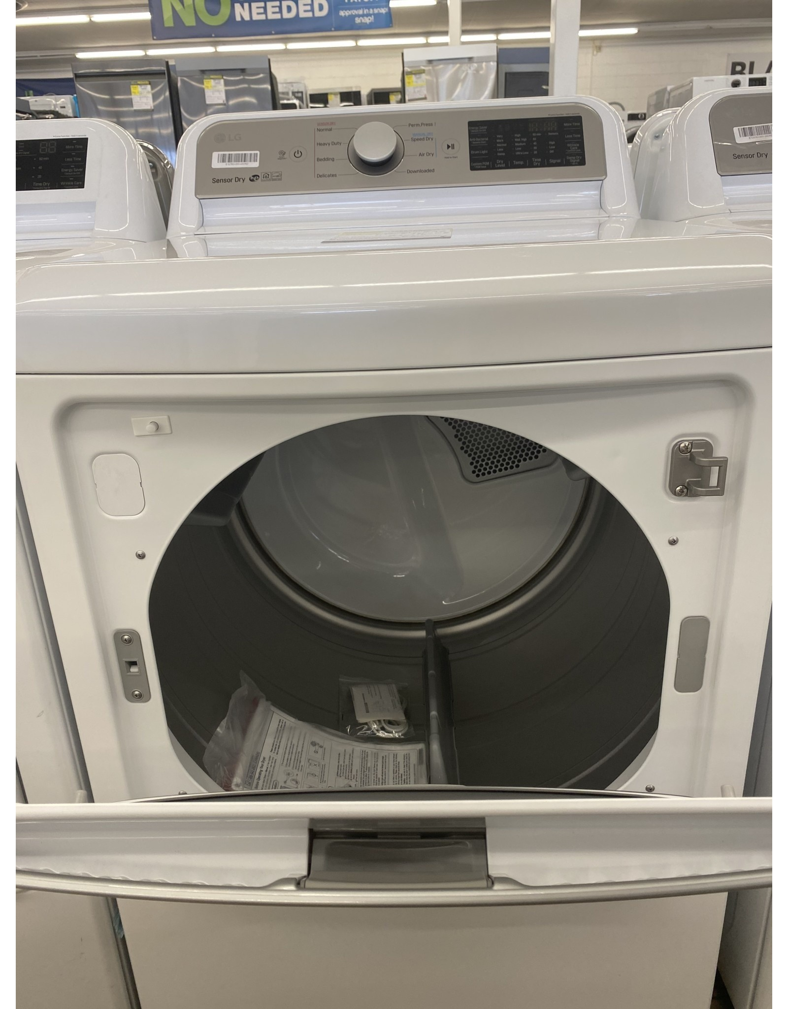 LG Electronics DLE7300WE 7.3 cu. ft. Ultra Large Smart Front Load Electric Vented Dryer with EasyLoad Door and Sensor Dry in White, ENERGY STAR