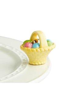 a tisket, a tasket ( basket with eggs )