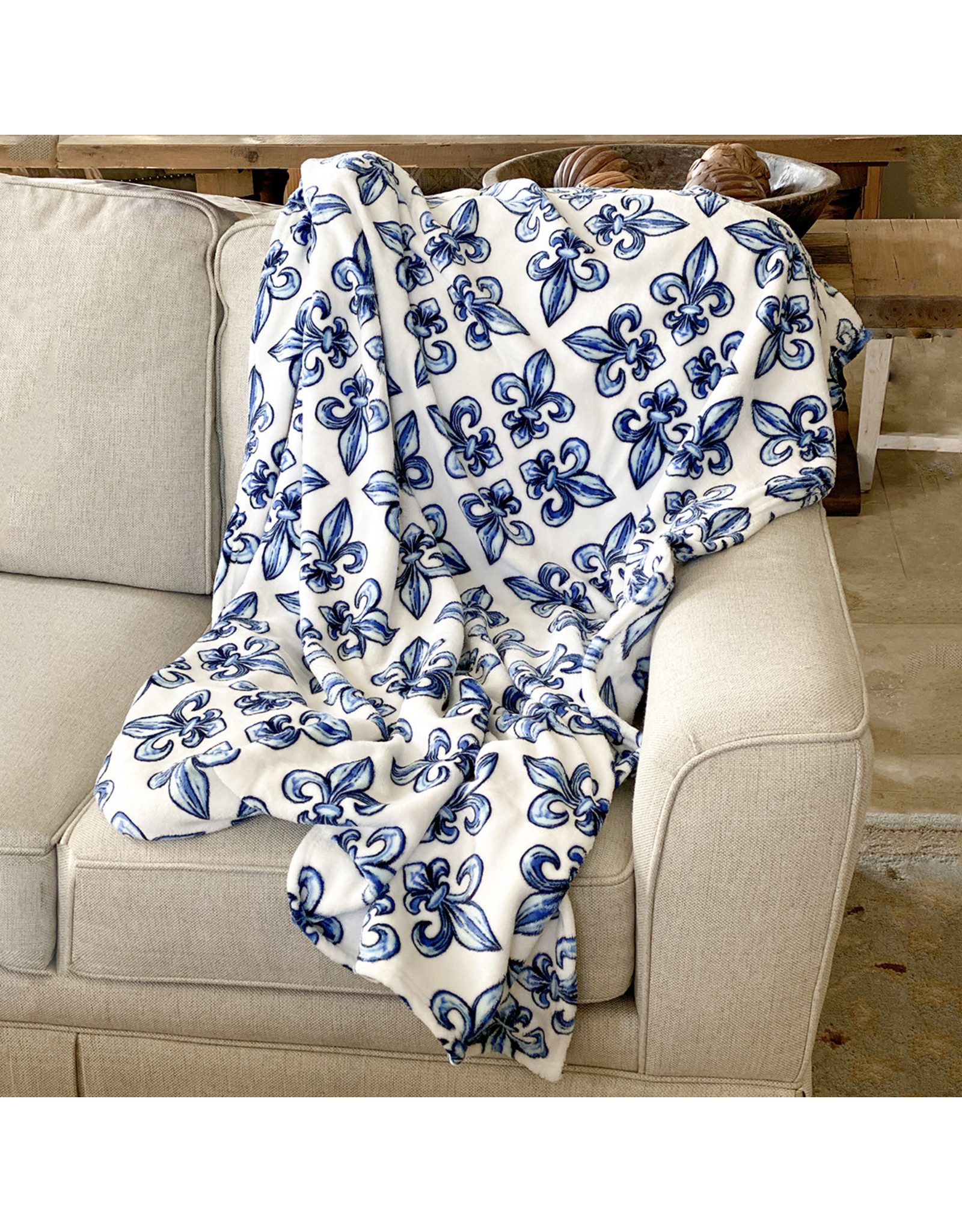 Fleur De Lis Throw / Blue & White