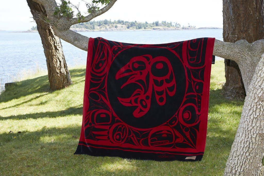 Kanata Blanket-Raven/ Red by Bill Helin-1