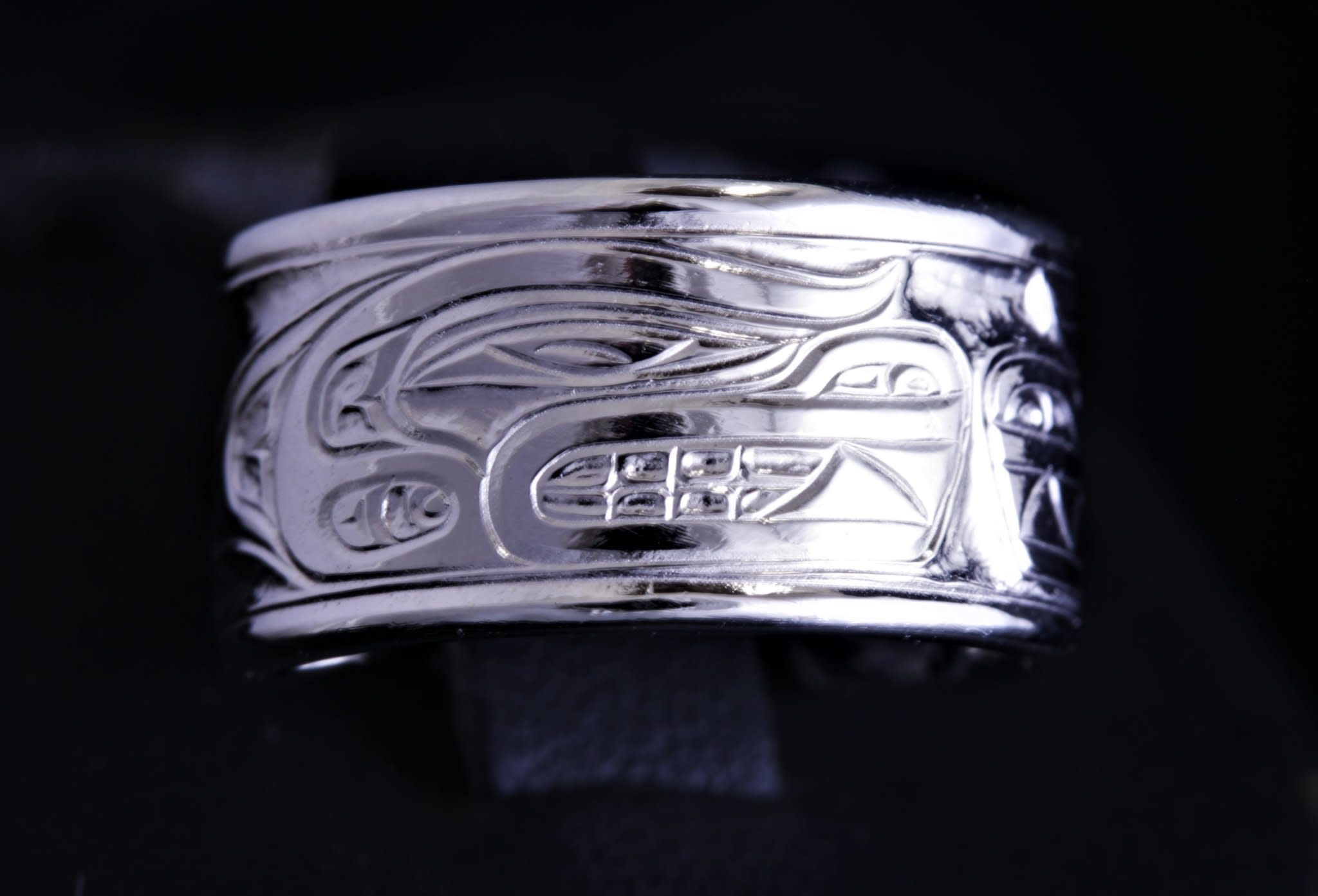 "Silver Cast ""Family Connection"" ring by Jadeon Rathegber-1"