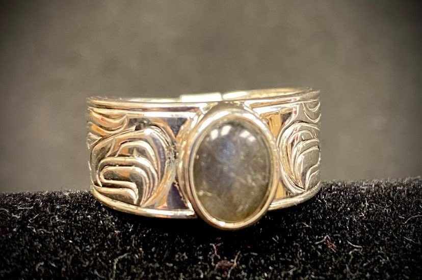 """""""Passing a Prayer"""" Silver Cast Ring with Labradorite size 9-1"""