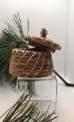 Pine Needle Basket with Lid, small pine cone top-2