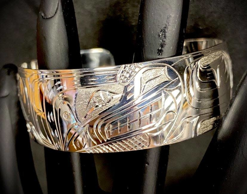 "Hand Carved 3/4"" Silver Bracelet Wolf by Nancy Dawson-1"
