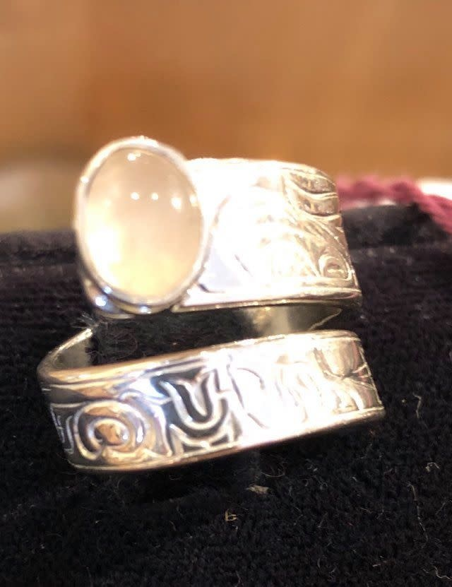 Honor our Mother Wrap Ring w Moonstone size 7-1