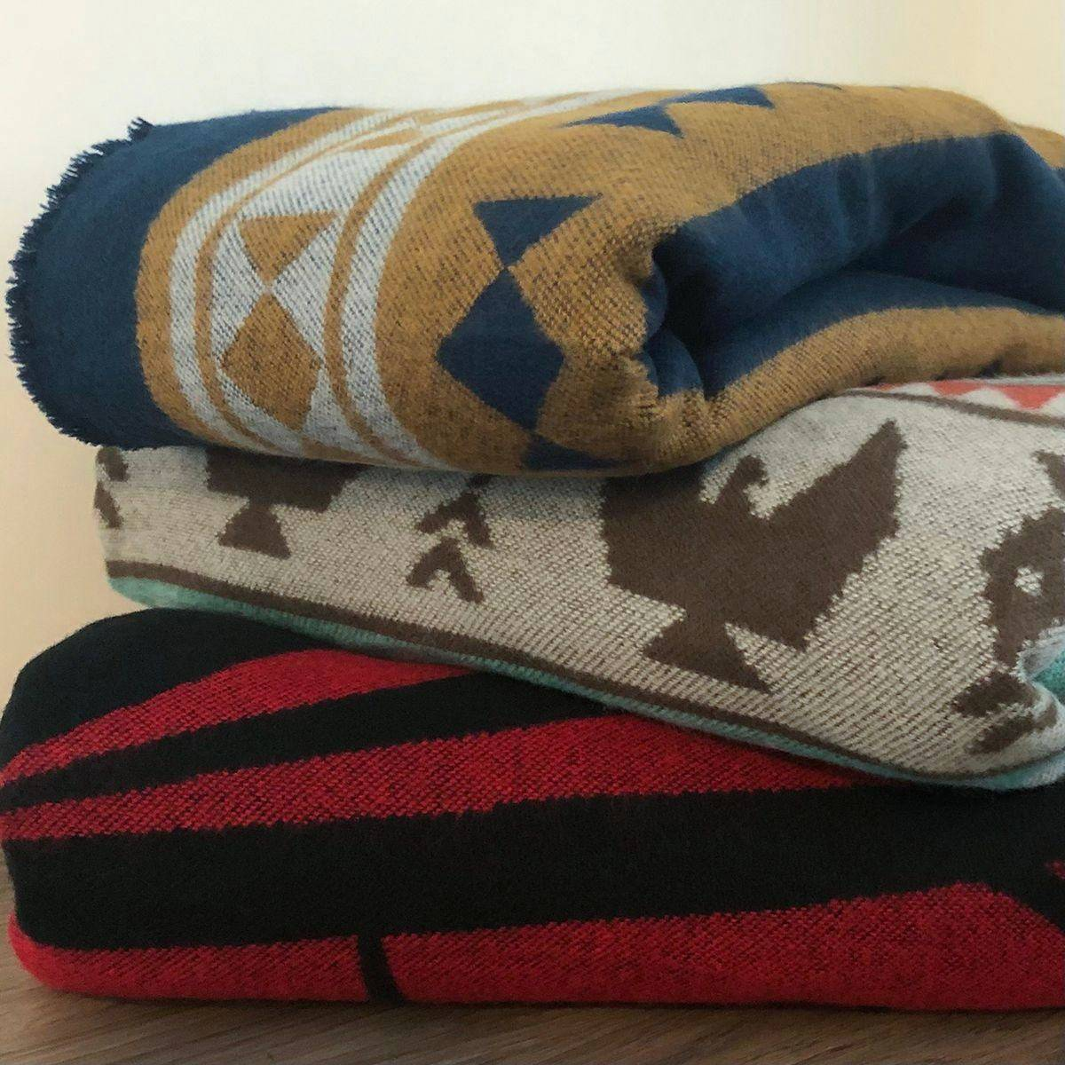 Blankets for everyone!-2