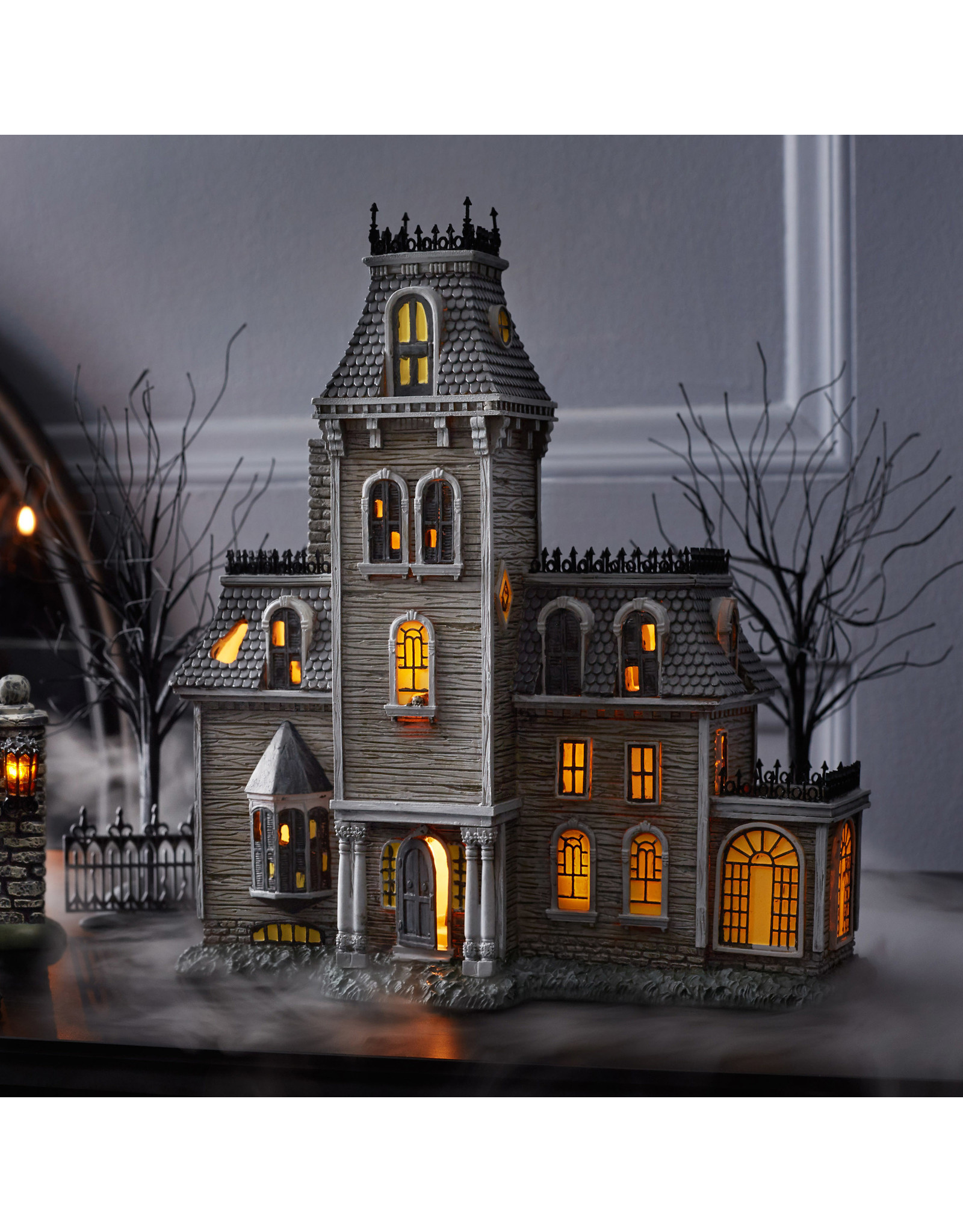 Department 56 The Addams Family House