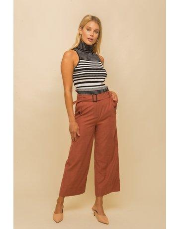 Hem & Thread Belted Crop Pants