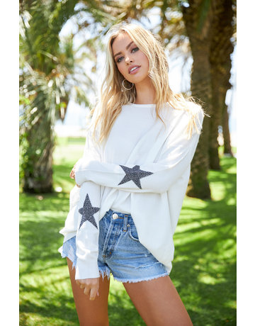 Round Neck Sweater w/Star