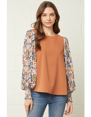 Entro USA Solid Top w/Floral Sleeves