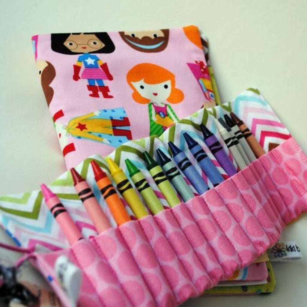 Kiki b Omi Designs Beaver Crayon Roll