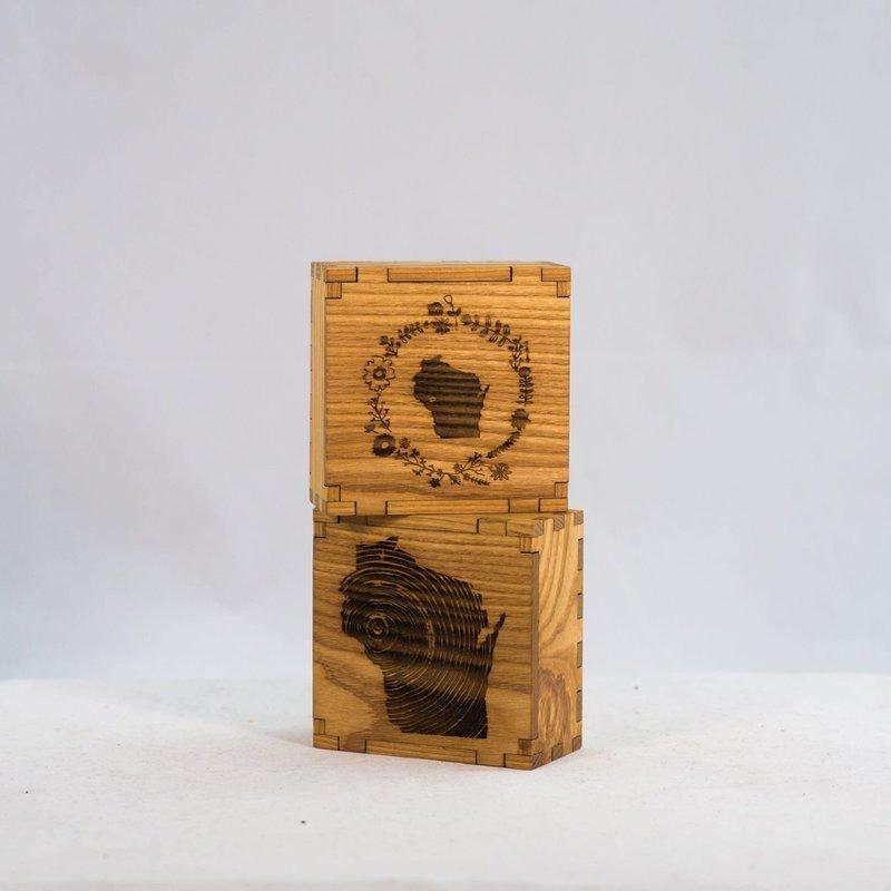 Eco Urban Timber Keepsake Box - WI Wreath