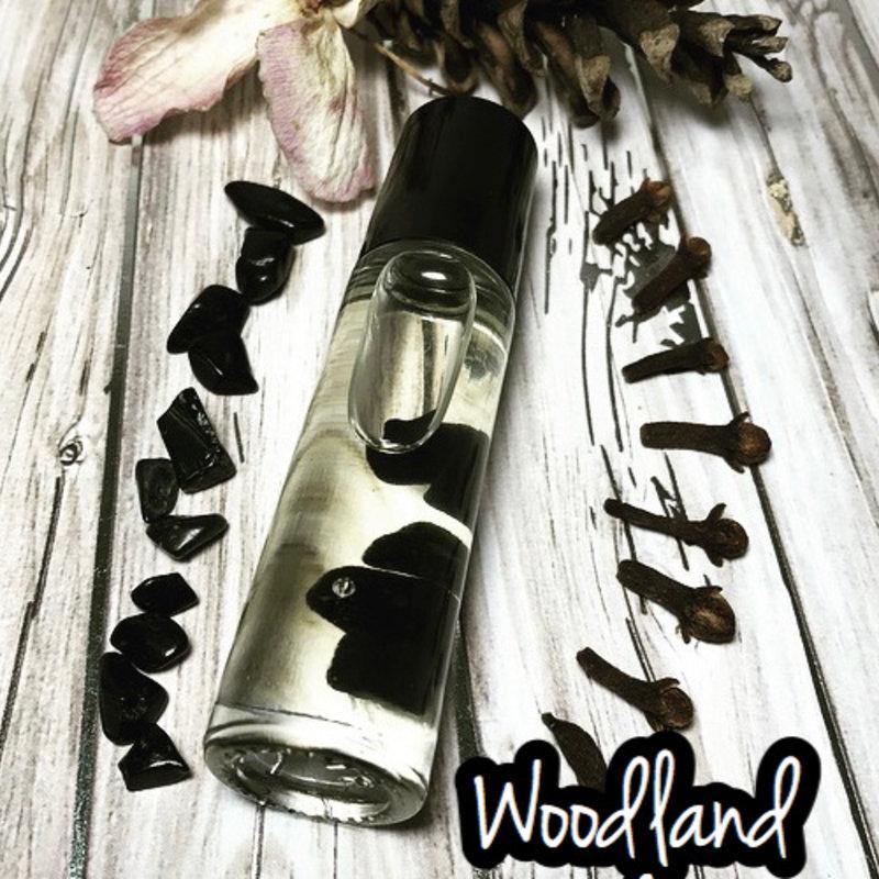 heartSTORMS Studios Essential Oil Roller - Woodland Frost