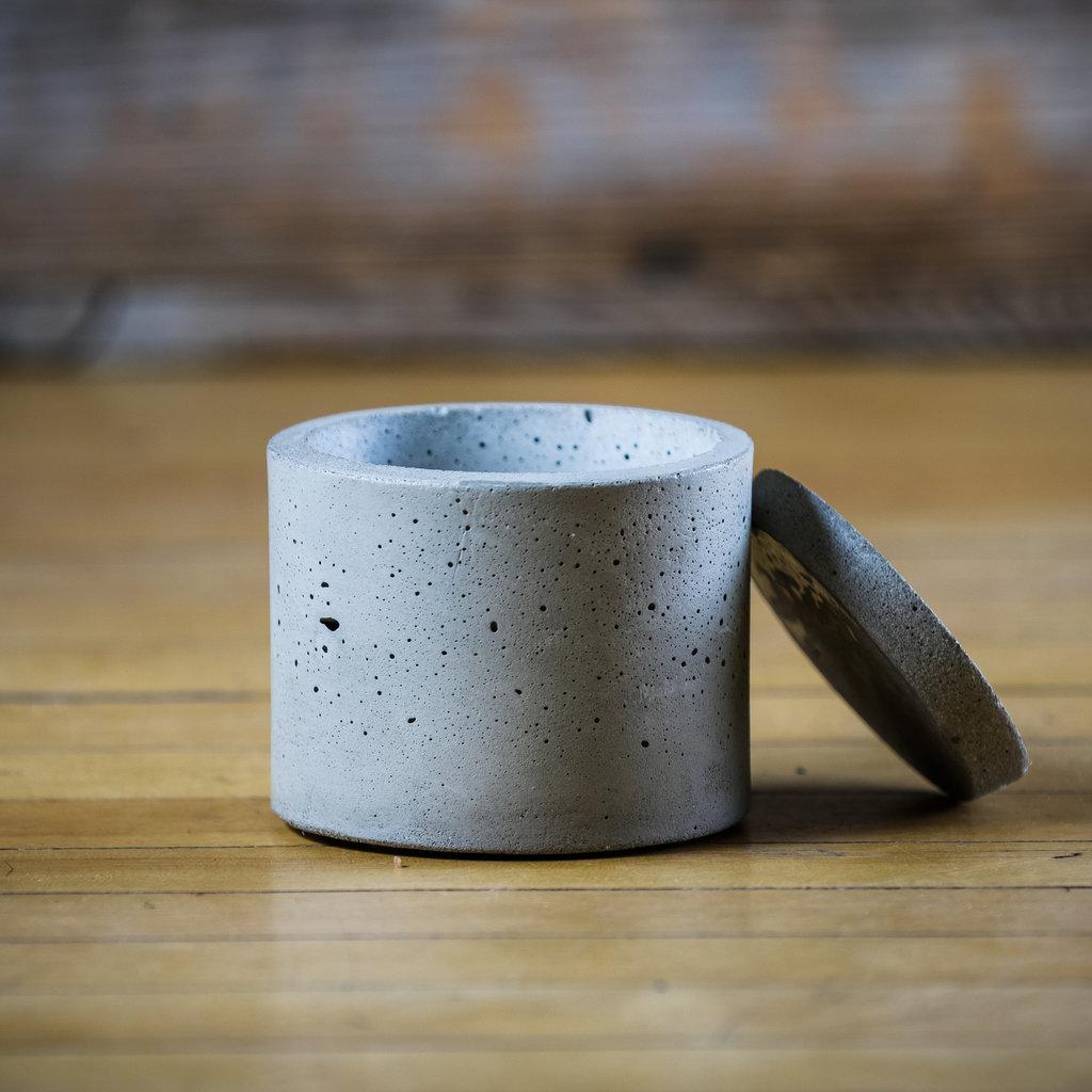 Concrete Pig Concrete Round Dish W/Lid