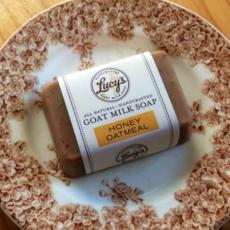 Lucy's Goat Milk Soap Lucy's Goat Milk Soap - Honey Oatmeal Handbar