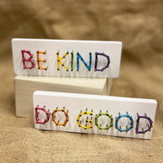 Strung on Nails String Art - Rainbow Phrases Small (Assorted)