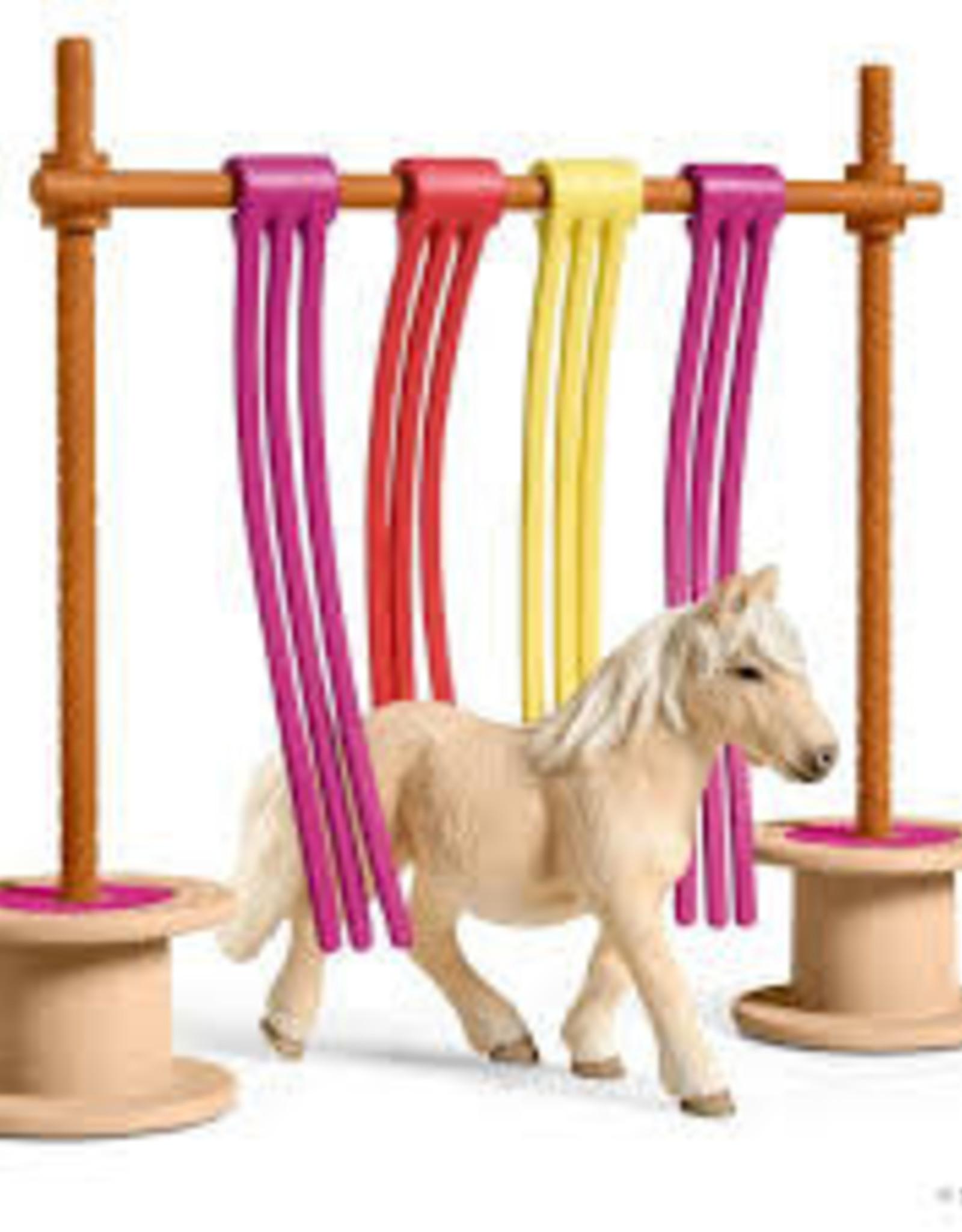 Schleich Schleich - Farm World Pony Curtain Obstacle