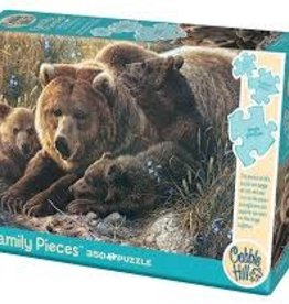 Cobble Hill Grizzly Family (Family)