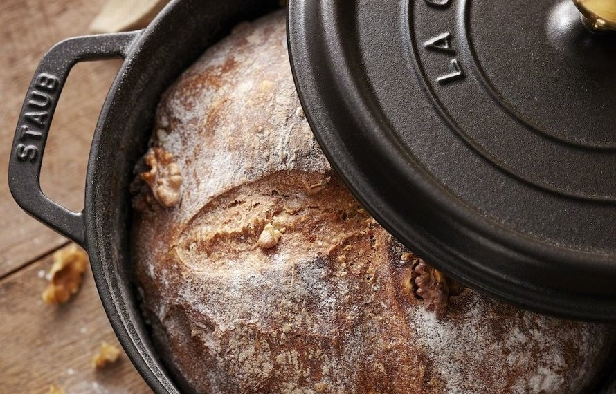 Easy No Knead Bread In a Dutch Oven/Cocotte