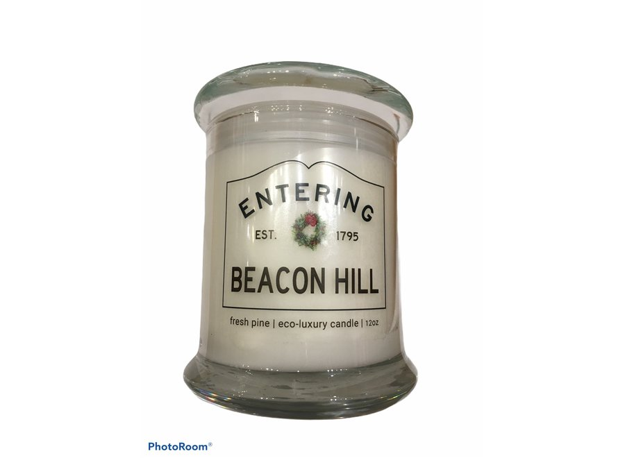 Entering Beacon Hill Candle Fresh Pine with Wreath