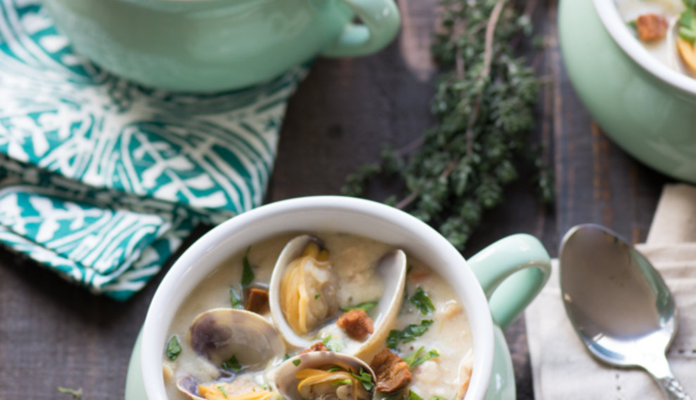 Best Ever New England Clam Chowder