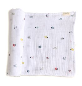 Pehr Organic Cotton Swaddle - Love Bug