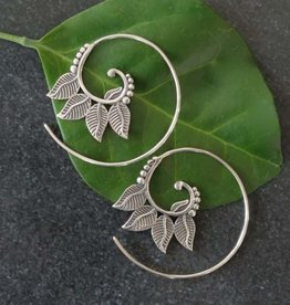 Baizaar Four Leaf Silver Spiral Earrings