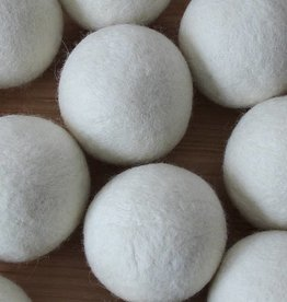 Nutmeg Naturals Wool Dryer Ball - Cloud Gray