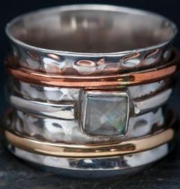 Baizaar Spinning Meditation Ring-Moonstone
