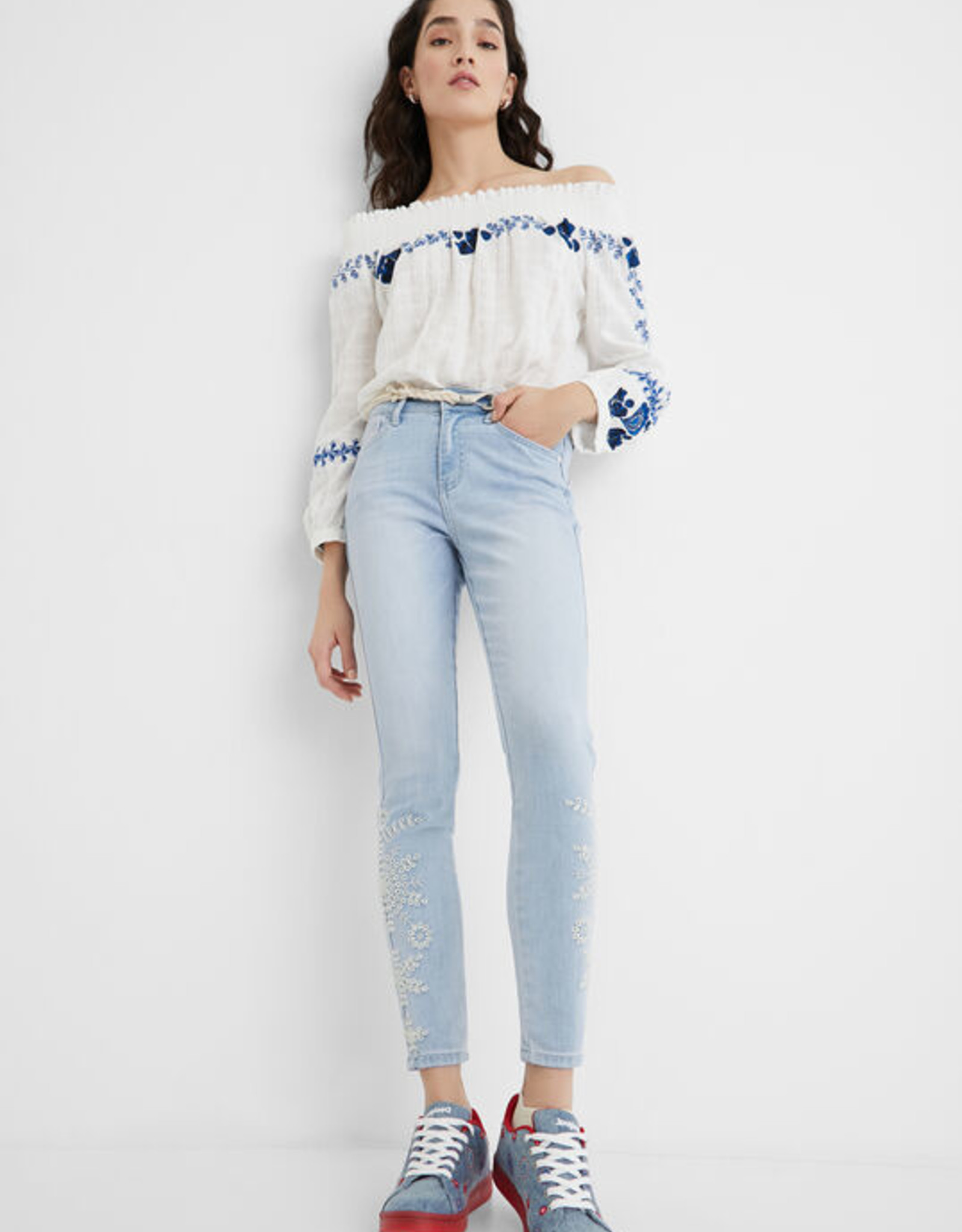 Desigual Embroidered Ankle Jeans