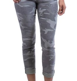 Gigi Moda Camo Cropped Zip Fly