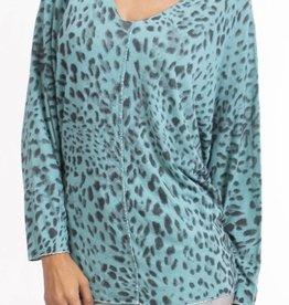 Gigi Moda Leopard Print Sweater (One Size)