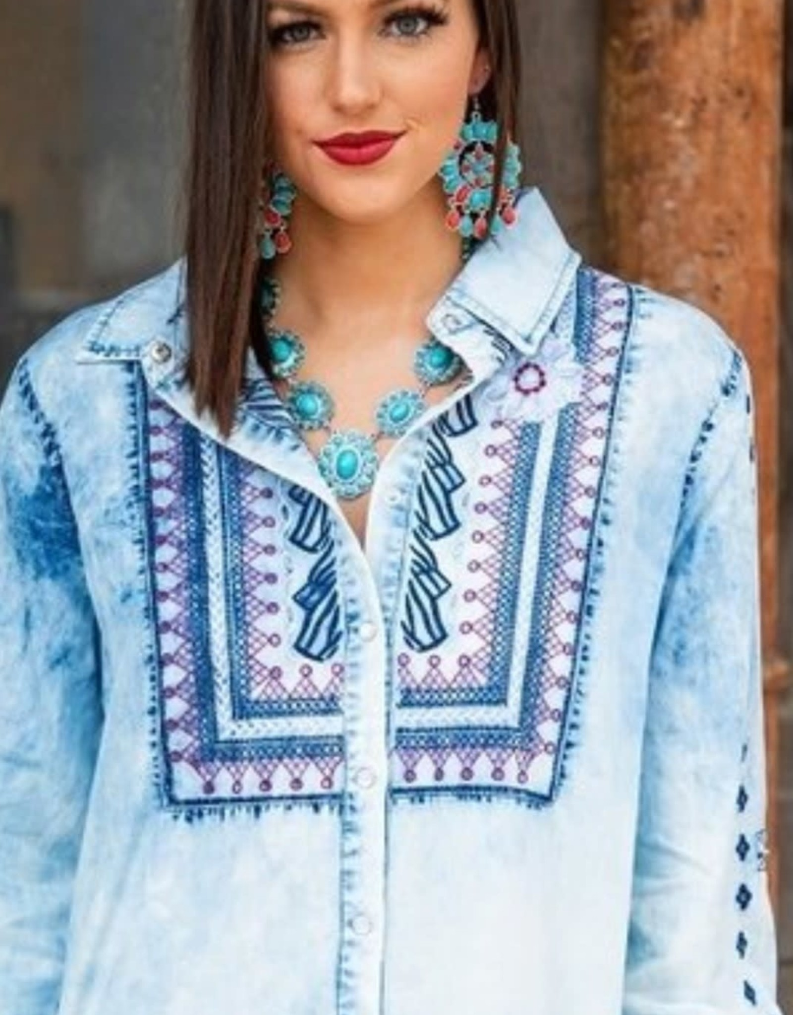 Lucky & Blessed Womens Faded Denim Long Sleeve Embroidered Snap Shirt