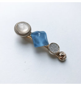 Young & Heart Chanel Button Clip Blue