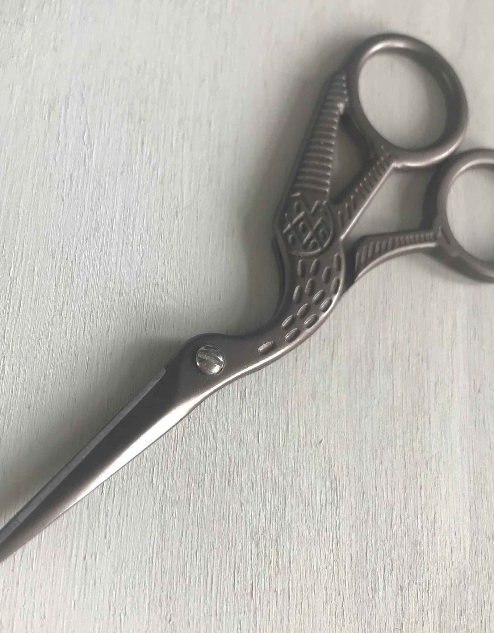 Young & Heart Antique Inspired Scissors 4