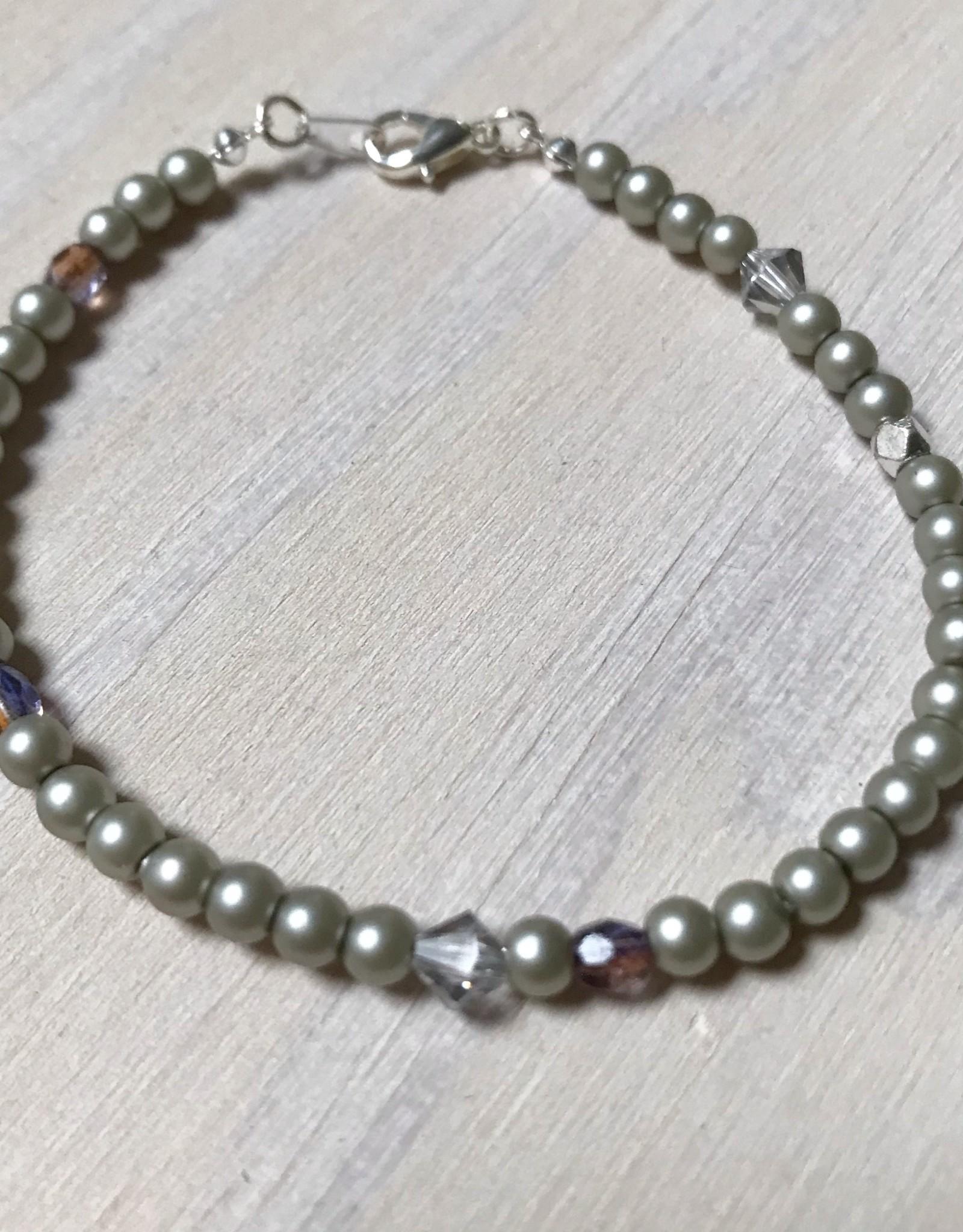 Devil May Wear Dainty Bead Bracelet. Silver, Swarovski Pearl/Crystal, Czech Crystal