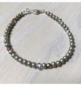 Devil May Wear Dainty Bead Bracelet. Silver, Swarovski Pearl/Crystal, Czech Crystal