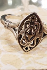 Chris Gillrie Aquitaine Ornate Oval Ring. Silver. Size 7