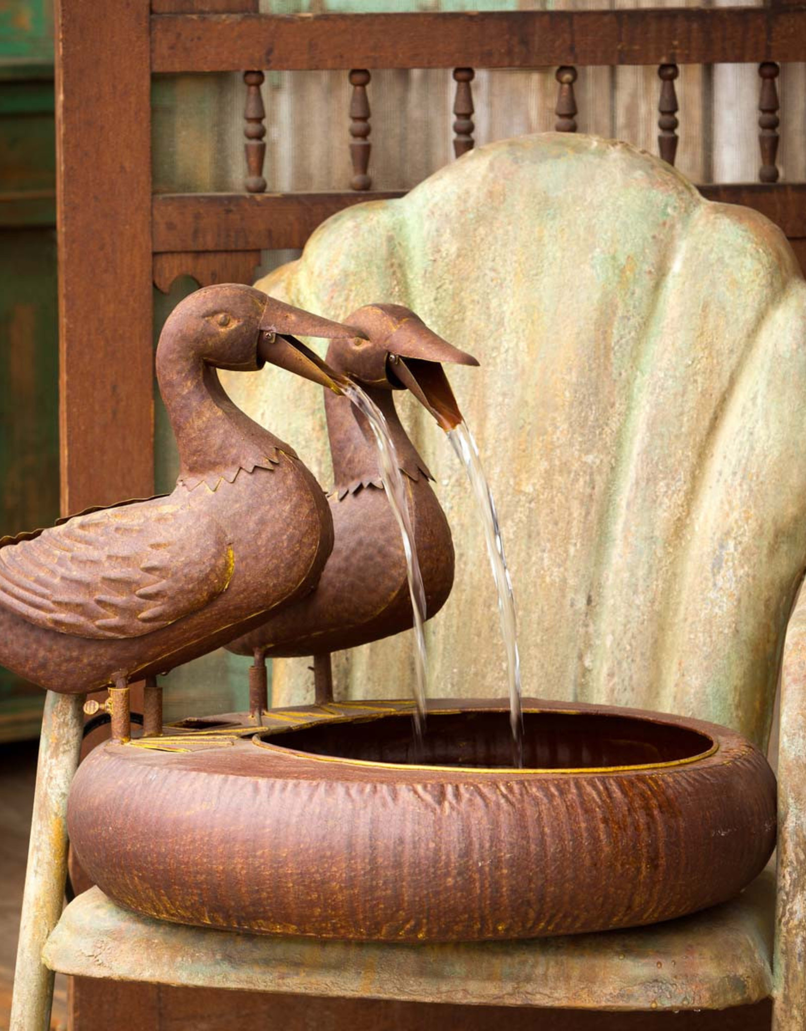 Park Hill Collection Folk Art Duck Fountain