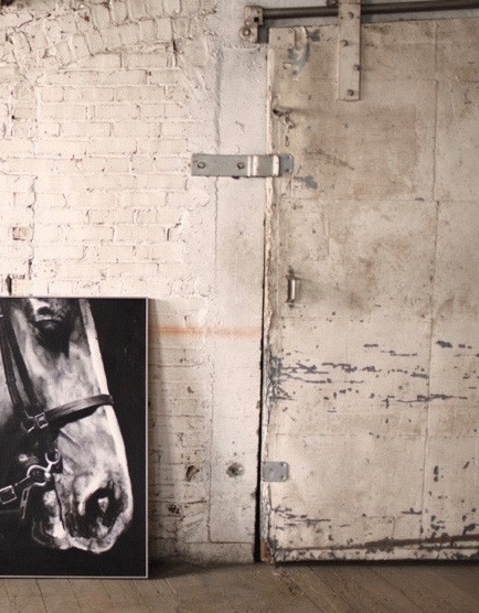Kalalou Oil Painting \ Black & White Side View Horse w/ silver frame