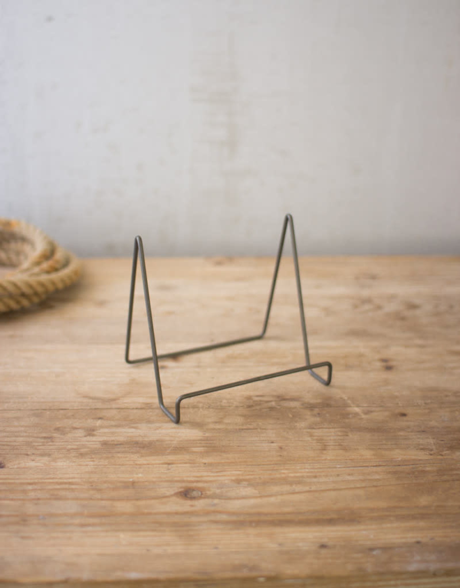 Kalalou Wire Easel with Raw Metal Finish \ small