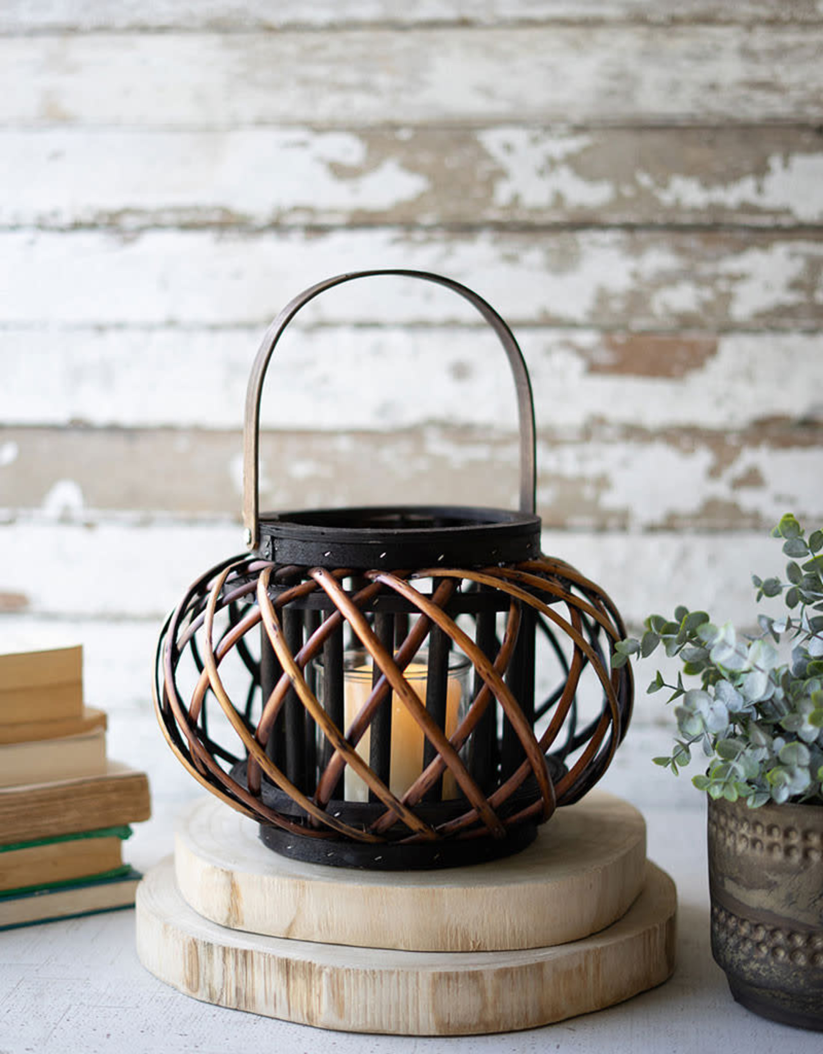 Kalalou Small Low Round Brown Willow Lantern with Wooden Handle