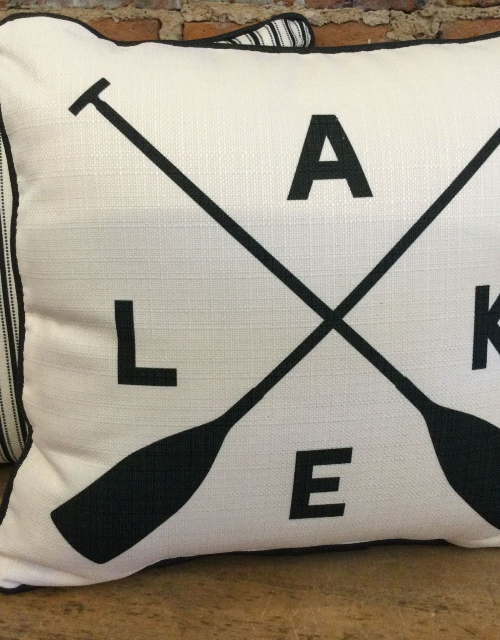 Lake With Crossed Oars-Back Black Ticking Piping Black