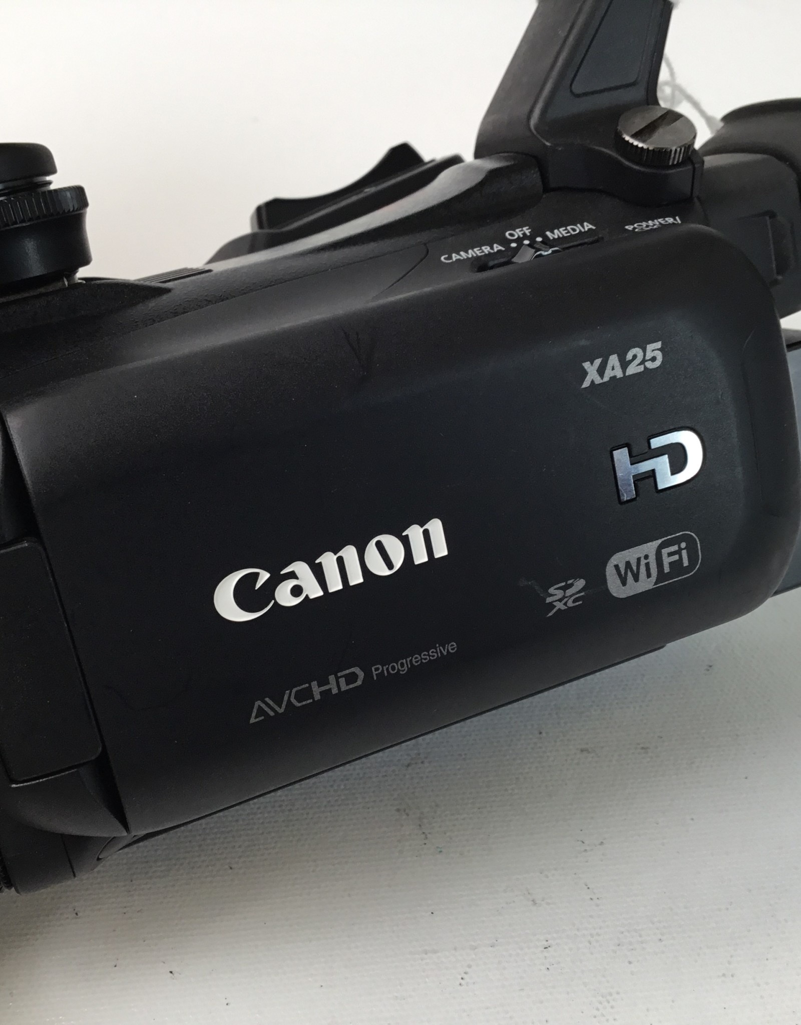 CANON Canon XA25 Video Camera Used EX