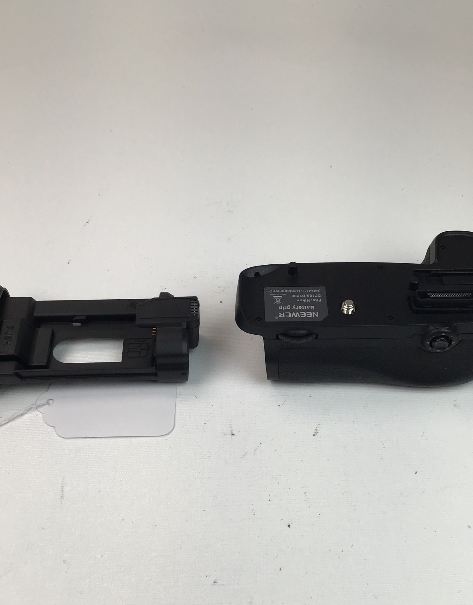 Neewer Neewer Battery Grip for Nikon D7200 Used EX+