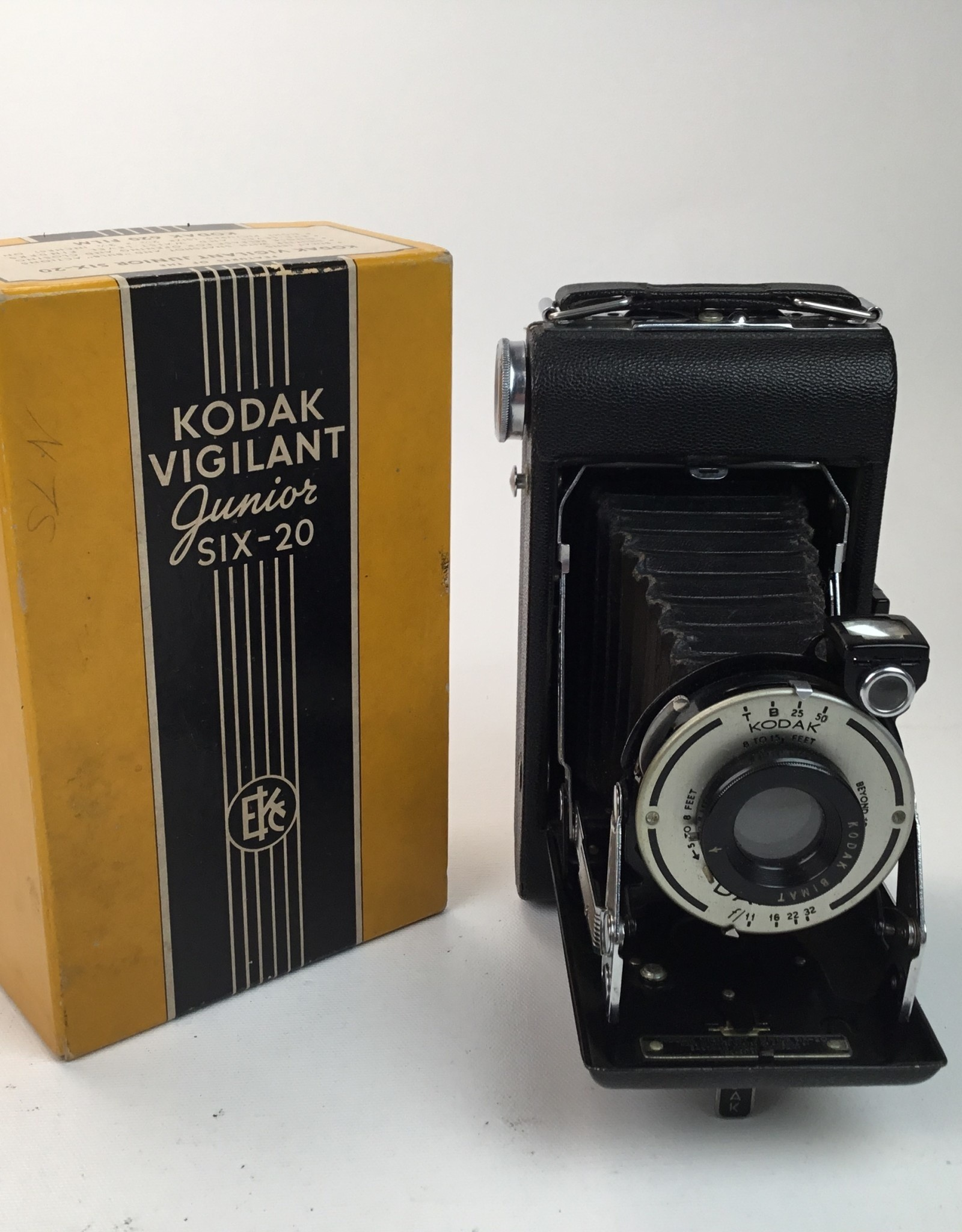 Kodak Vigilant Junior Six 20 Camera in Box Used Non Functioning