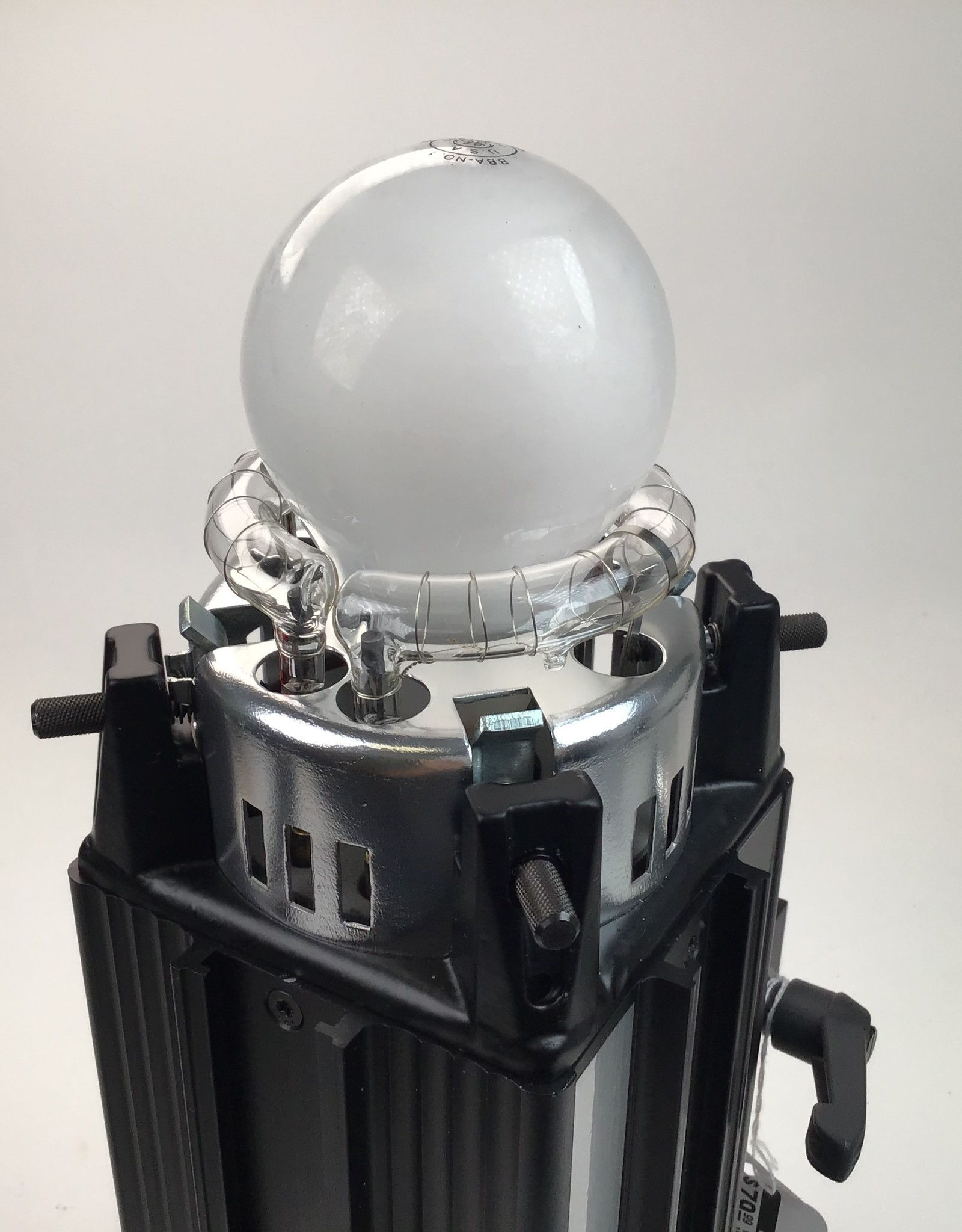 Paul C. Buff White Lightning Ultra 1800 Monolight Used Good